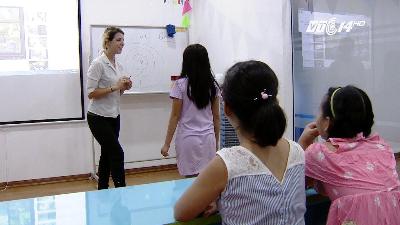 """VTC14   """"Tây ba lô"""" dạy tiếng Anh"""