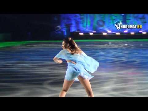 Софья Самодурова красиво спела на юбилее тренерской деятельности Мишина