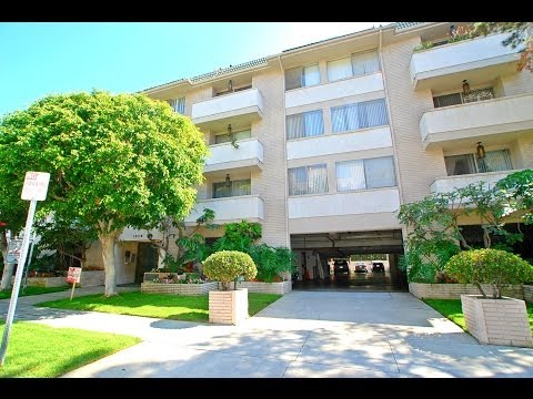 Royal Wetherly Apartments- One and Two Bedroom Apartments in Beverly Hills, California
