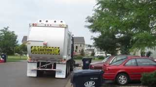 Американская мусорная машина(Смотрите! Появились новые американские усовершенствования мусорной машины!, 2013-08-08T15:48:17.000Z)