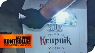 Zoll-Kontrolle an der polnischen Grenze: Zu viel Vodka dabei? | Achtung Kontrolle | kabel eins