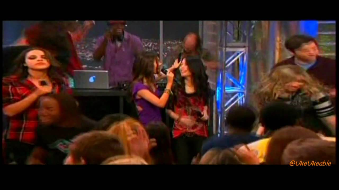 [HD] iParty with Victorious - Trailer #1 - iCarly/Victorious Crossover!