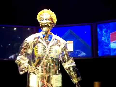 Disneyland Innoventions Host Tom Morrow Audio Animatronic Lve Snd Clip 03 30 09 Youtube