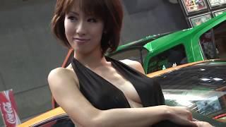 きわどい衣装がやばい! Sexy Models Olivia Marie.