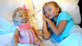 Polina playing with Baby doll video for kids