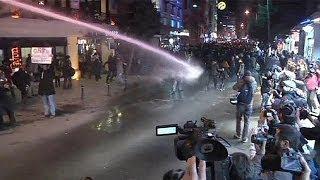 Taksim'deki internet protestosuna polis müdahale etti