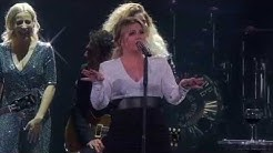 Kelly Clarkson - A Minute + a Glass of Wine (Live in Glendale, AZ)