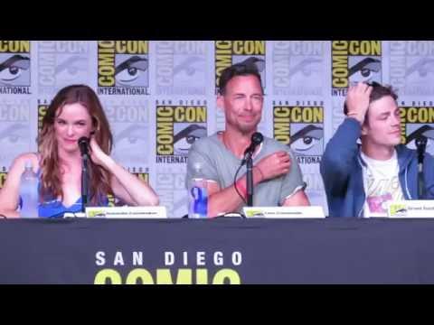Comic Con 2016  The Flash Panel Q&As