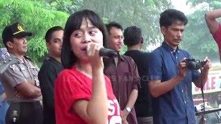 GOYANGAN LESTI KELUAR JUGA - LIVE OFF AIR RAMAYANA CIBITUNG Ini adalah video terbaru dari Lesti Lovers FC Indonesia yang menggambarkan ...