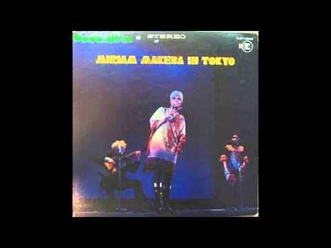 Miriam Makeba - Amampondo (1968) [live]