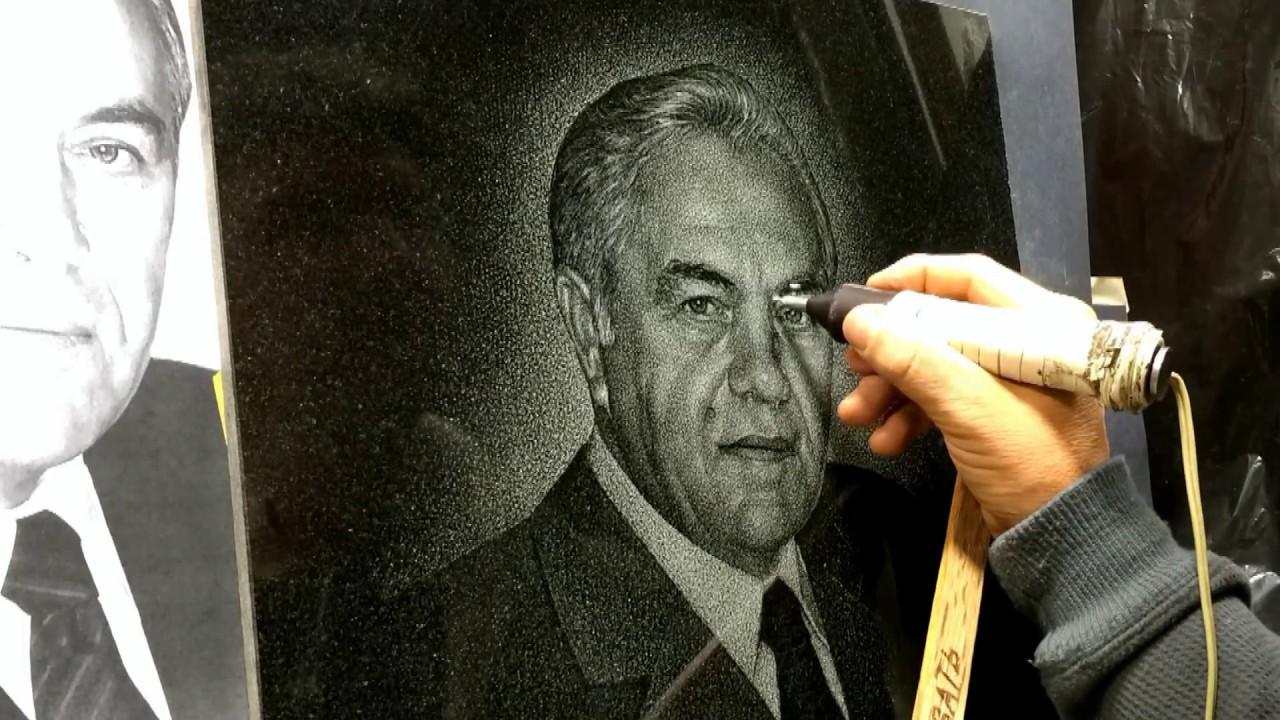 Художник портрет на памятник