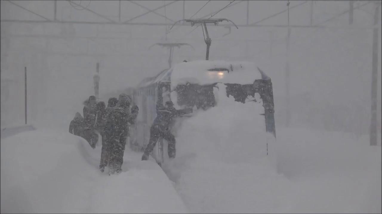 Αποτέλεσμα εικόνας για すげー!!強すぎる貨物列車 Japanese train of the heavy snow