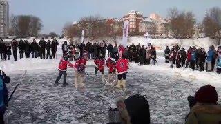 В Твери прошел крупнейший турнир по хоккею в валенках