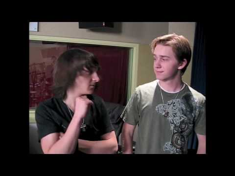 Hatching Pete's Mitchel Musso & Jason Dolley spill secrets from the set! (BOP & Tiger Beat)