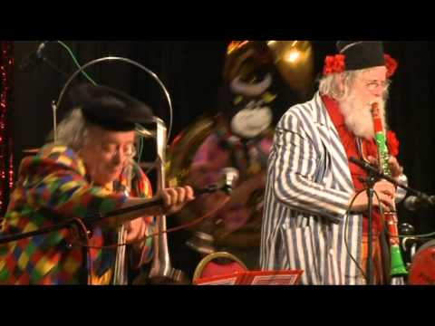 Bob Kerr`s Whoopee Band  ...is really the craziest band in the world!