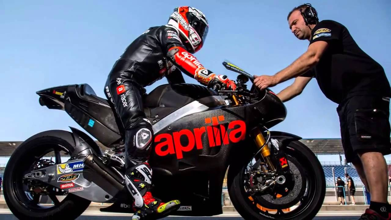 2016 Aprilia RSV4 GP MotoGP race bike - YouTube