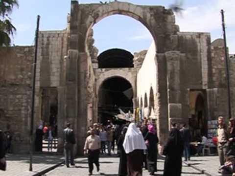 Damascus attracts tourists with its pluralistic history
