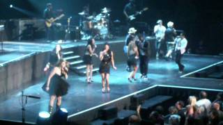 American Idol Live Tour ;Finale  Group Medley and  praise each other in Rochester, NY,9/10,2011