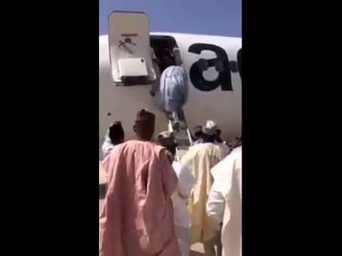 AeroContractors Using Ladder to Board Passengers in Bauchi Nigeria -12202015