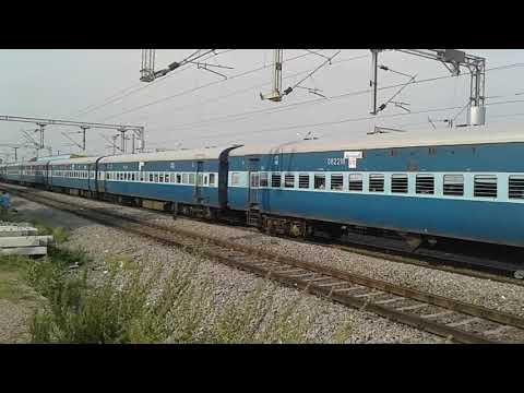 BL WAG-7 with Madhya Pradesh Tirth Yatra Special Train