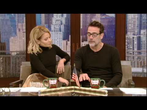 Kelly and Jeffrey Dean Morgan Meet on the Set Of