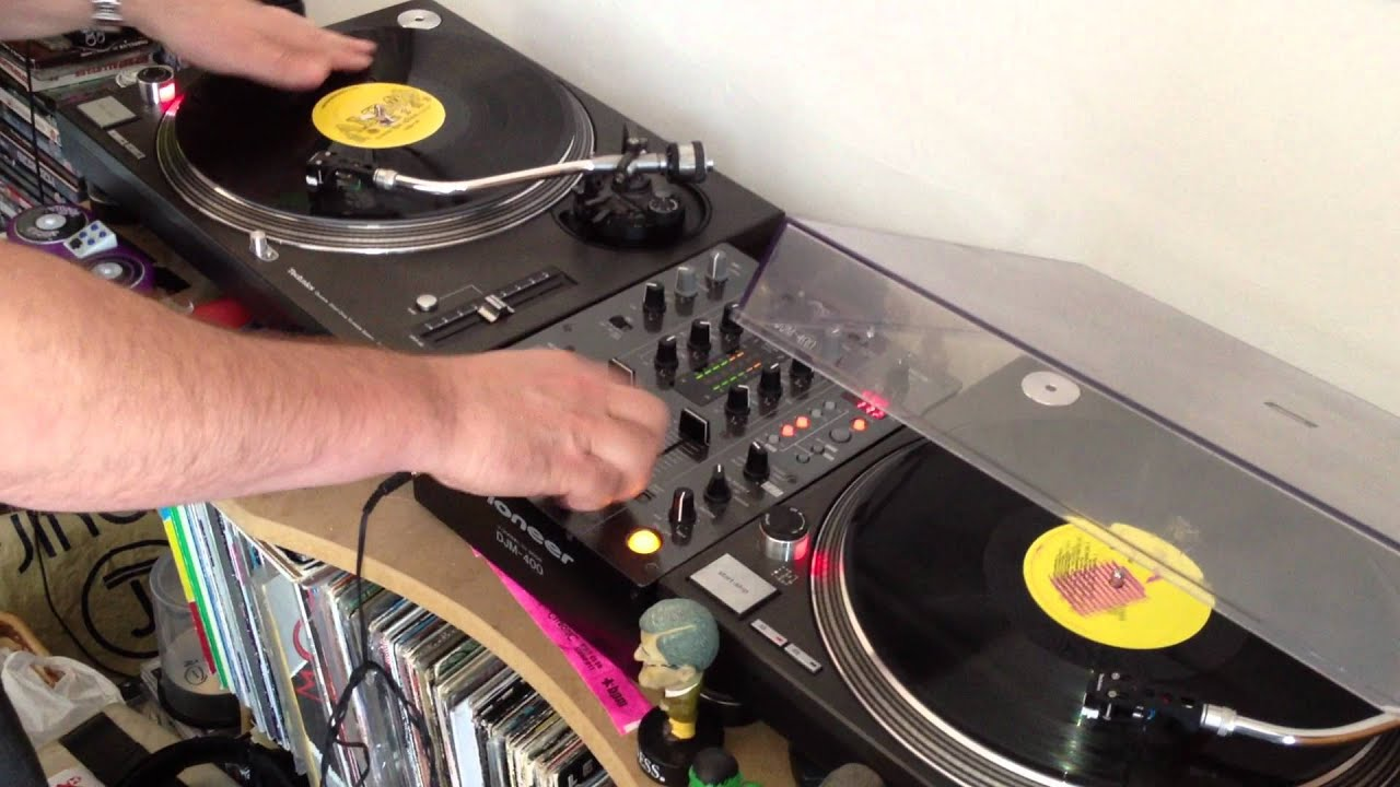 johnny scratch freestyle vinyl scratching at dj webby x s house