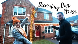 One of RoxxsaurusVlogs's most viewed videos: DECORATING OUR HOUSE & BREAKING THE CHRISTMAS TREE!  | VLOG MAS