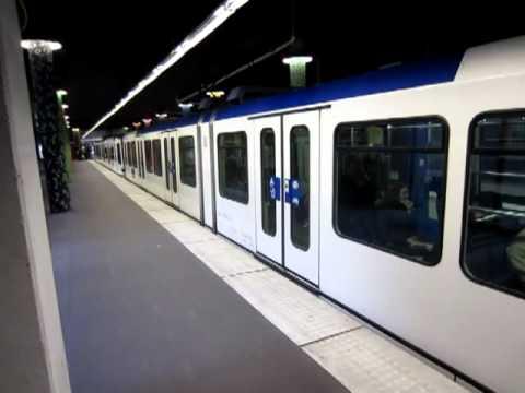 """TL lausanne , metro M1 Station """"Le Flon"""""""