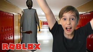 I MANAGED TO ESCAPE FROM GRANNY FOR THE FIRST TIME PLAYING ROBLOX
