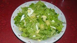 Салат с латуком (листья салата), картошкой и яйцом. Просто быстро и вкусно!