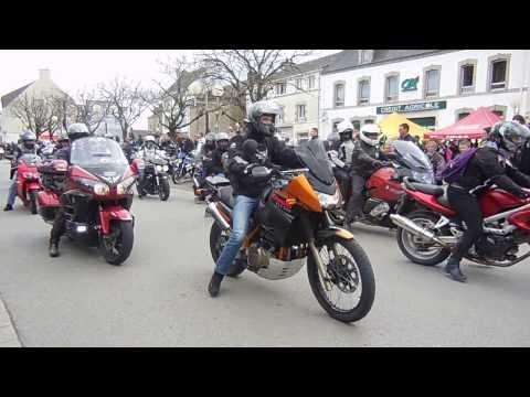 L' arrivée des motards à Pluvigner - AMS56 - 02/04/2017 VANNES