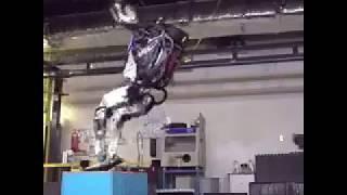 فيديو.. أول روبوت في العالم يستطيع أن