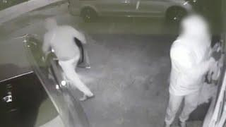 Hi-Tech Car Thieves Break Into Car In 90 Seconds