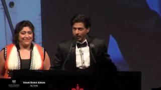Shahrukh Wining the Award The 5th Asian Awards in Cinema
