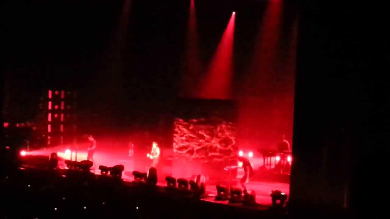 Nine Inch Nails - Closer @ Forum Assago 28/08/2013 - YouTube