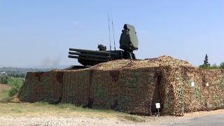 В Сирии на авиабазе Хмеймим российские комплексы ПВО сбили два ударных беспилотника боевиков.