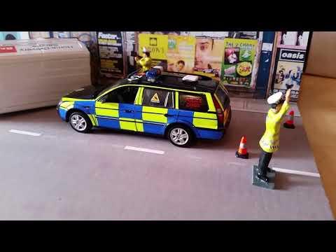 1:43 Accident Diorama: Featuring Essex...