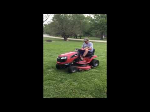 Craftsman YTS3000 lawn mower for sale | no-reserve Internet auction June 1,  2016