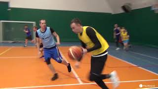 Смотреть видео PlayBasket. Видеообзор 24.01.2019 (Метро Электрозаводская). Любительский баскетбол в Москве онлайн