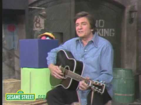 Sesame Street: Johnny Cash And Biff Sing Five Feet High