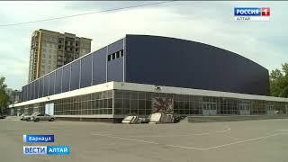 Дворец спорта стал тёмно-синим и пригодным для мэппинг-шоу