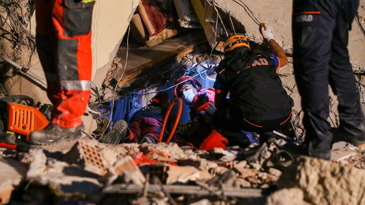Прямая трансляция: спасательные работы после сильного землетрясения в Турции