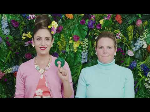 Make Your Own Flower Crown with Suzelle DIY