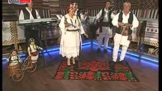 RUŽA I ORAŠANI   Niz Olovo sitna kaldrmica  by ZvonkoPLEHAN