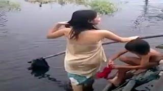 Ngintip Orang Mandi Disungai HOT, TRADISI SYAWALAN DI TEMPUR 2017