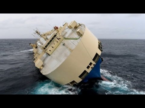France averts cargo ship crash in 'last chance' rescue