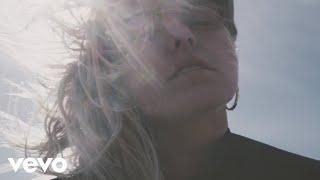 Смотреть клип Lauren Sanderson - Voices | Acoustic