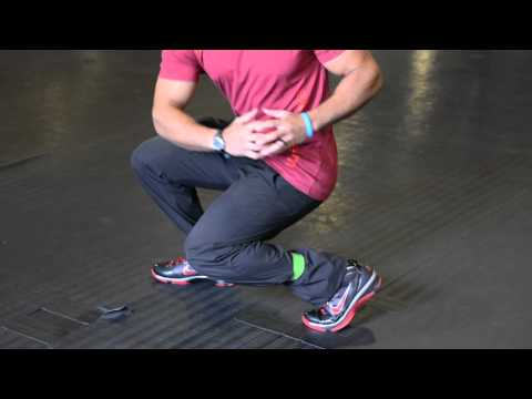 Thera-Band Exercise for Quads : Muscle-Building Exercises