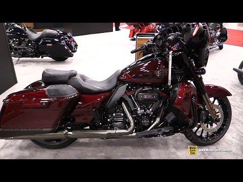 2019 Harley Davidson CVO Street Glide - Walkaround - 2018 AIMExpo Las Vegas