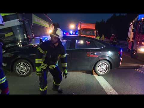 Download Youtube: Busunfall auf der A24: Fahrer wohl unter Medikamenteneinfluss